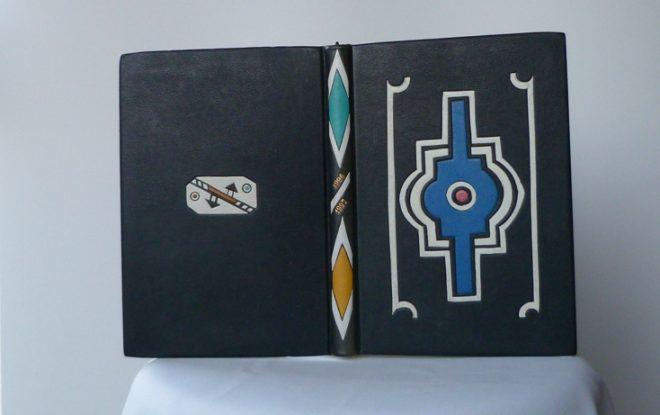 Carnet de note, plein cuir noir, mosaïques représentant des motifs Ndébélé.