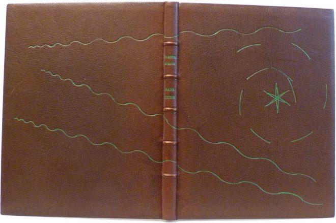 Sans titre de Claude Simon, plein-cuir marron, décor aux petits fers à l'oeser vert.