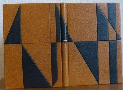 motifs géométriques triangulaires en cuir
