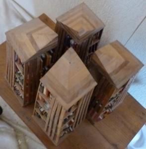 Bibliothèque_Minis-livres_bois_pyramides_7