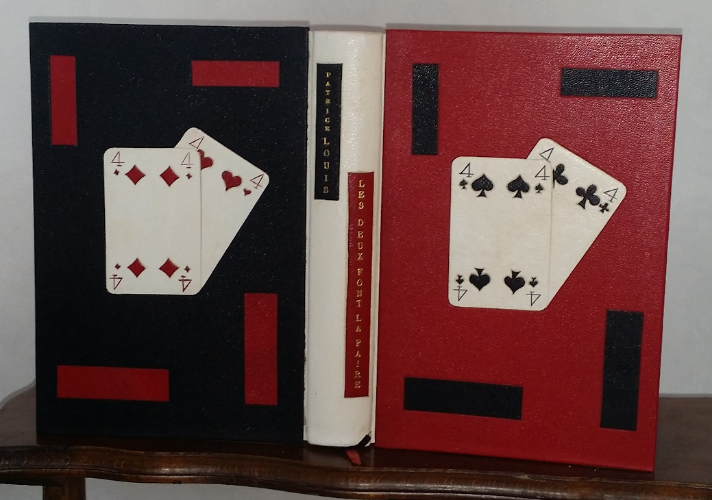 Reliure plein cuir rouge noir et blanche, avec incrustation d'une mosaïque de carte à jouer (2 paires de 4)