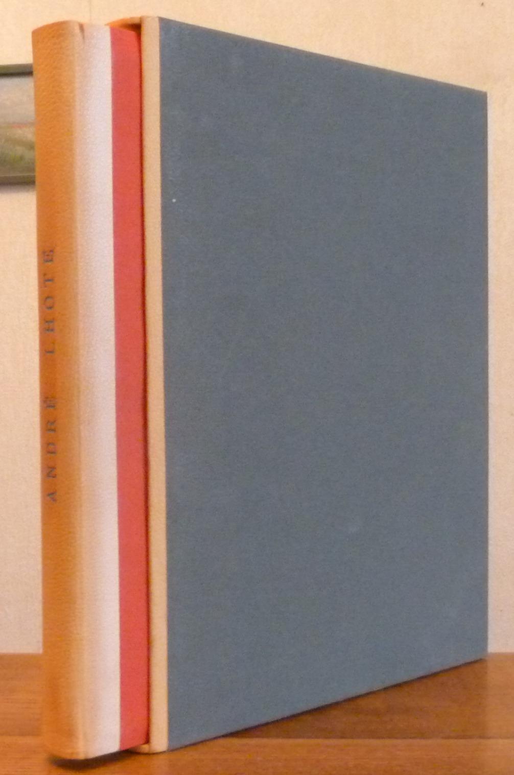 Demi-cuir à encadrements, reproduction en papiers marbré uni de deux tableaux de Lhote, en imitant la une de couverture