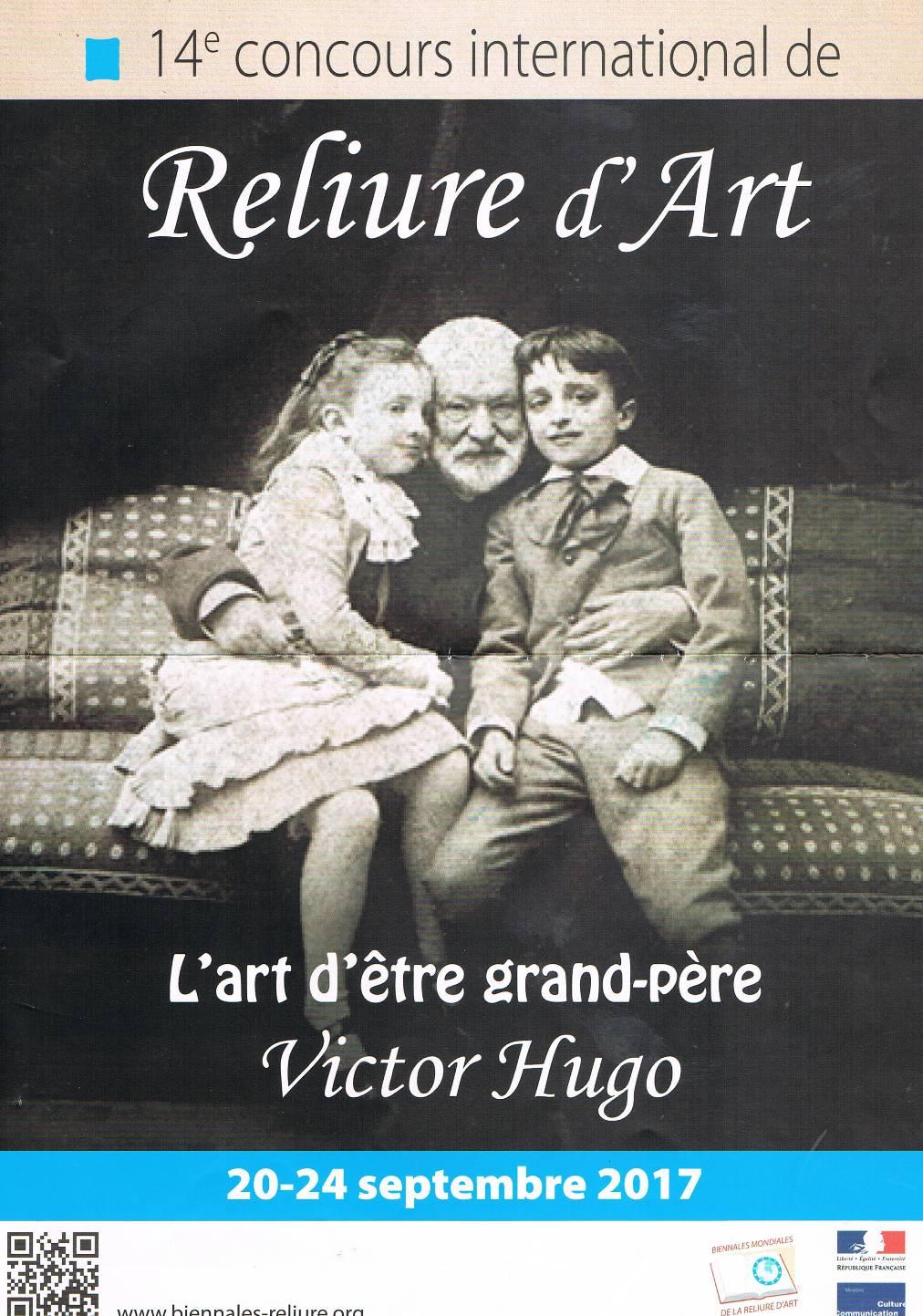 Affiche noir et blanc représentant Victor Hugo en photo avec ses 2 petits-enfants