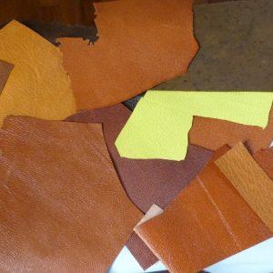 Elaboration d'une reliure pour la biennale de la vallée de Chevreuse. Choix des cuirs. Saison2