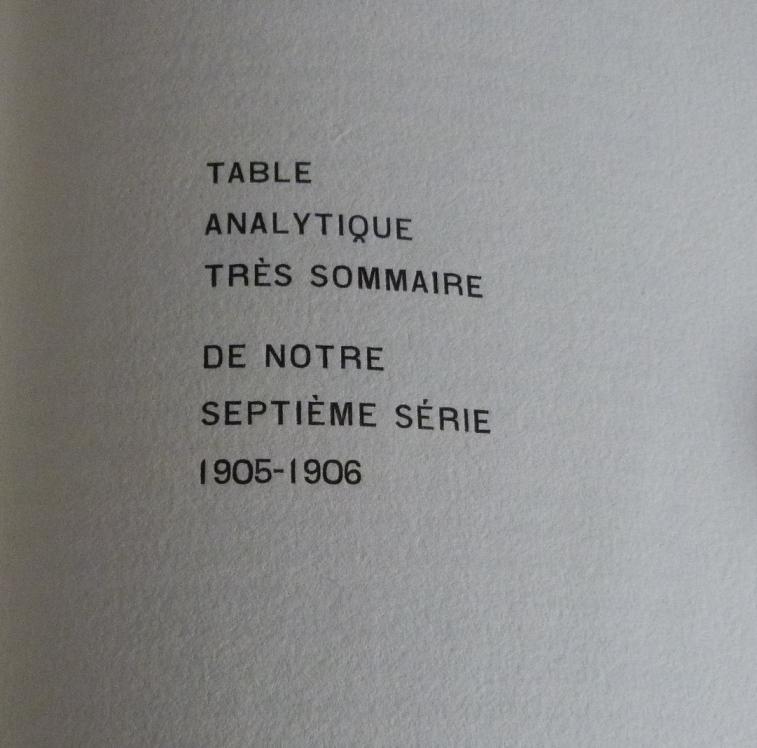 Demi-cuir-noir, fleurons dorés, titre à la chinoise, gardes en soie (moire). Détail typographique.