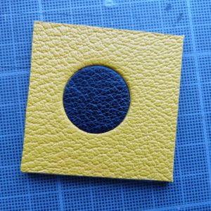 Incrustation d'un disque. Les deux options pour obtenir les ballons pour le décor de la reliure.