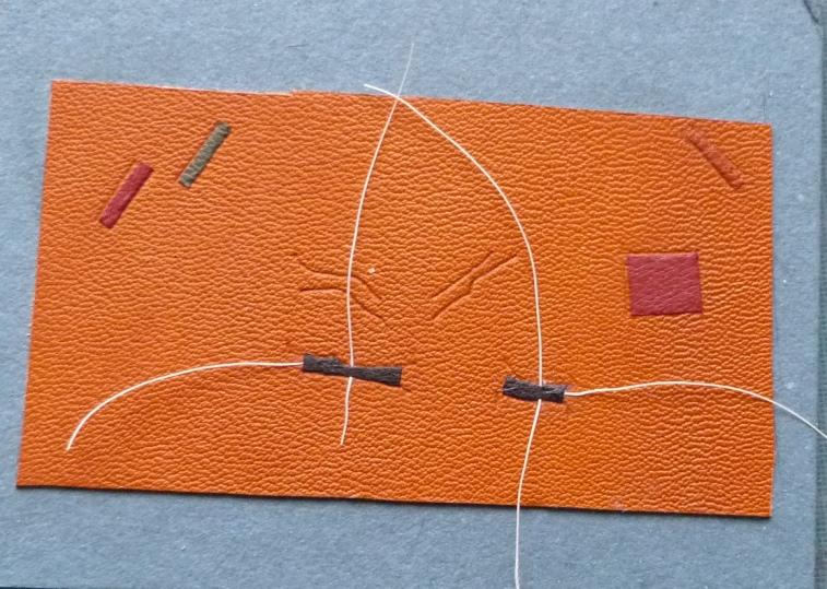 essais de fixation de ficelles.