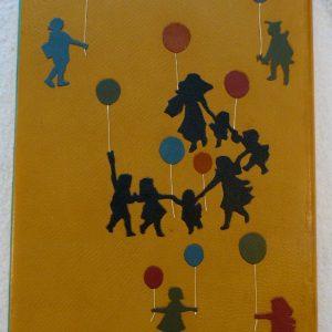 Ballon rouge ronde des enfants.