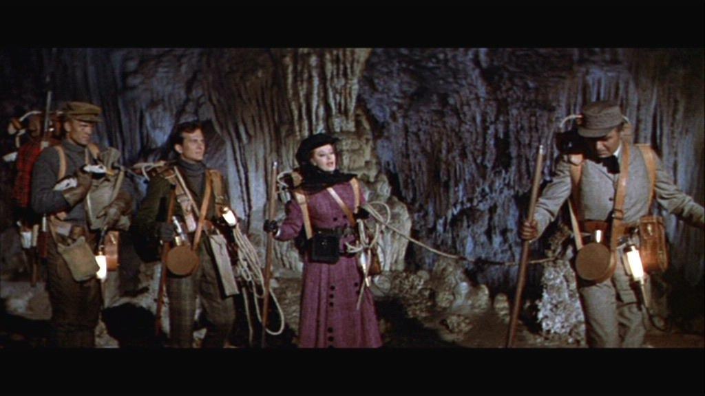 """Photo extaite du film """"voyage au centre de la terre"""" de Henry Lévin tiré du roman éponyme de Jules Verne"""
