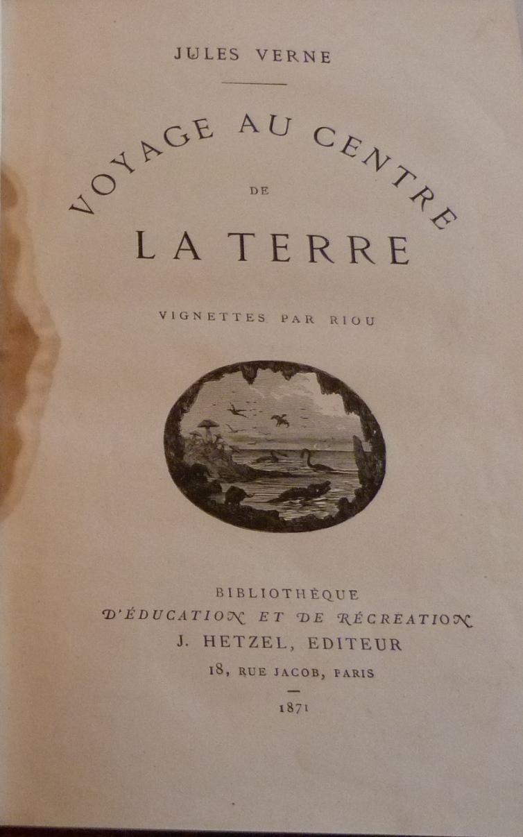 """Page de titre de """"Voyage au centre de la terre"""" de Jules verne"""