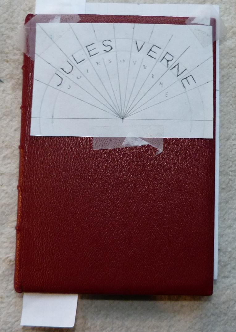 Papier calque pour le nom de l'auteur.