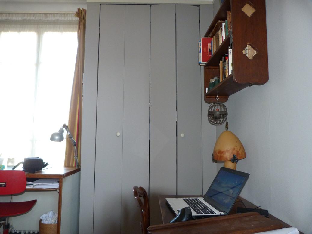 Recension de mon matériel de reliure : armoire.