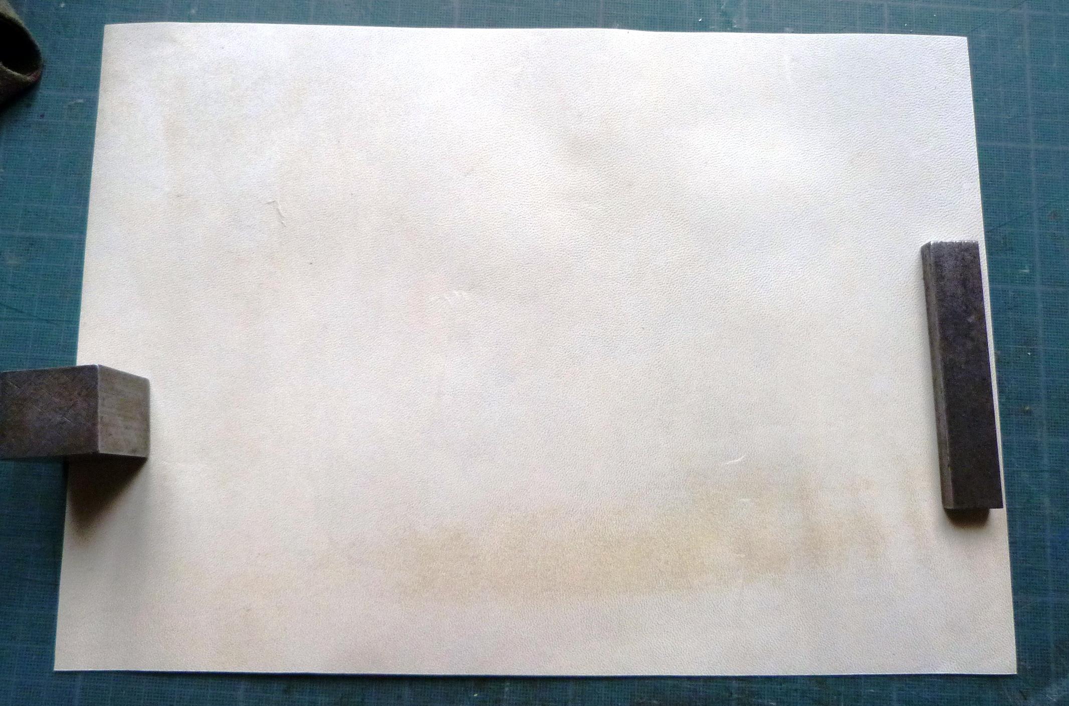Incrustation de parchemin décoré à la photocopieuse, parchemin en A4.