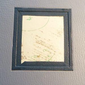 Incrustation d'un parchemin décoré à la photocopieuse, pose des 4 listels.