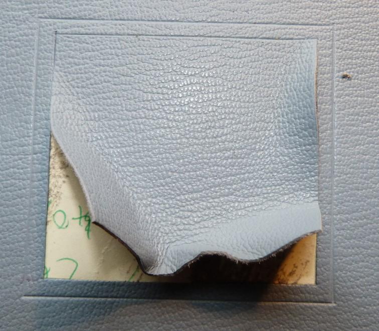 Incrustation d'un parchemin décoré à la photocopieuse, retirage du carré de cuir