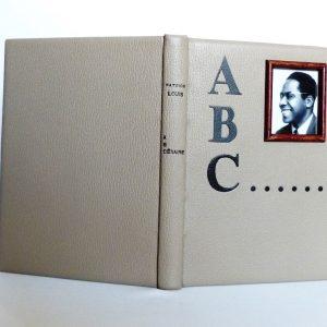 cadre photos pour varier les décors au gré de son humeur, Césaire jeune et souriant