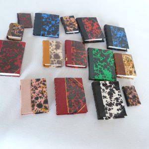 Bibliothèque anglaise pivotante miniature, 4 faces, mini-livres en papier anonnay.