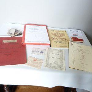 Contenu de la commode pour la recension de mon matériel de reliure, catalogues