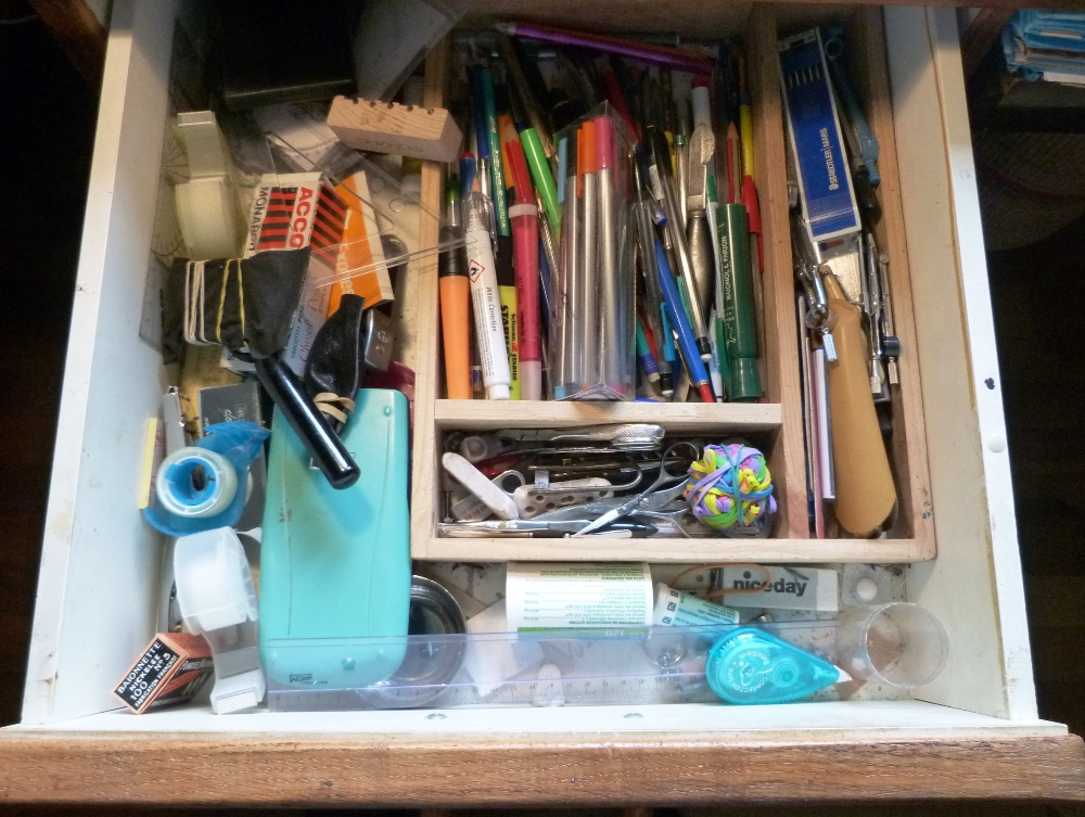 Bureau : tiroir du haut
