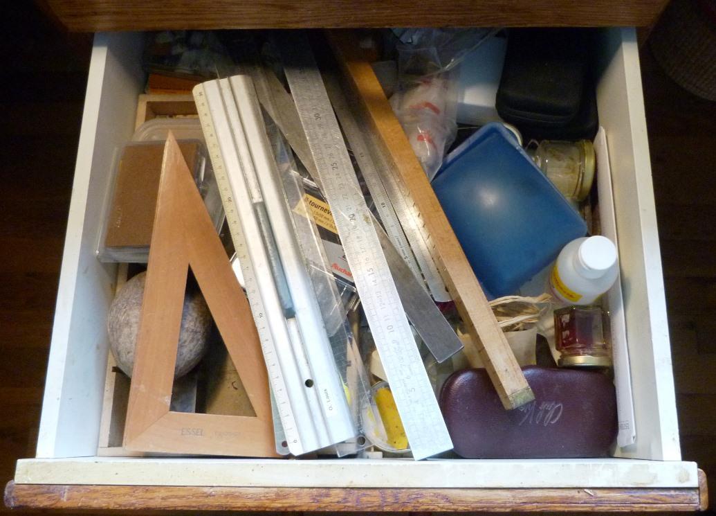 Bureau : contenu du deuxième tiroir