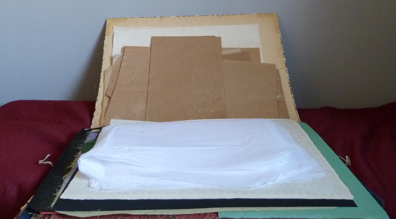 penderie : recension de mon matériel de reliure, carton à dessin ouvert