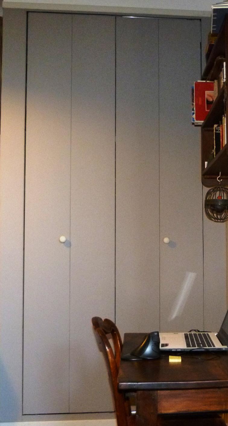 penderie : recension de mon matériel de reliure, penderie fermée