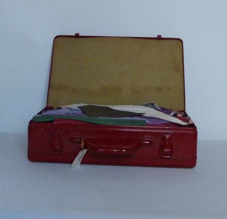penderie : recension de mon matériel de reliure, valise ouverte