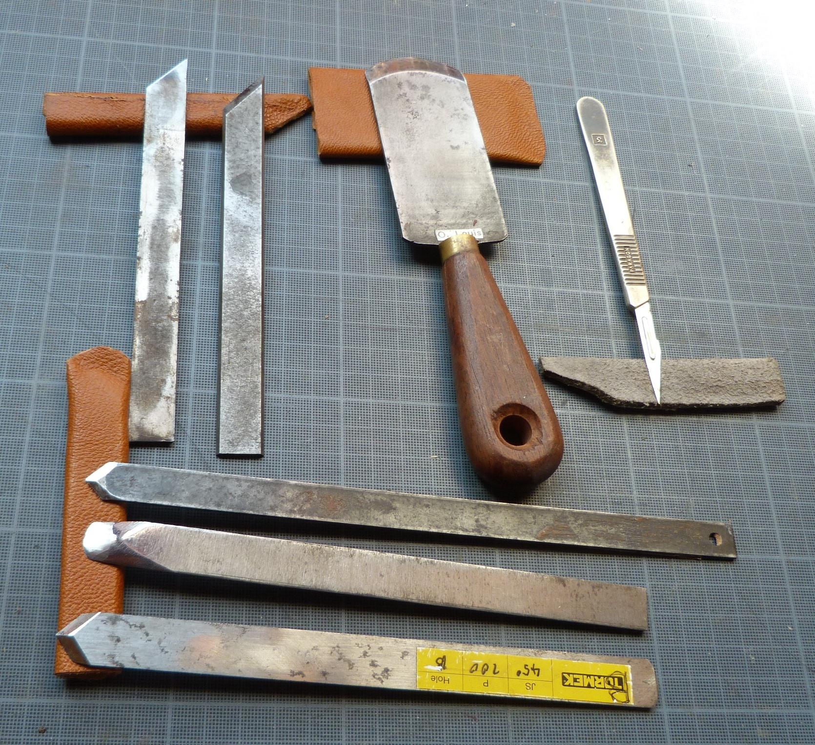 Recension1 Kerlouan : couteaux à parer