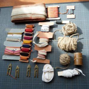 Recension2 Kerlouan : signets, tranchefiles mecaniques, ficelles et chevillettes