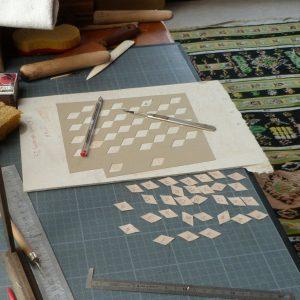 Carnet au pavage cratyléen(2) : découpe des motifs gris