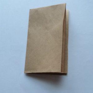 Pose d'une charnière en cuir : cahier de fausses gardes
