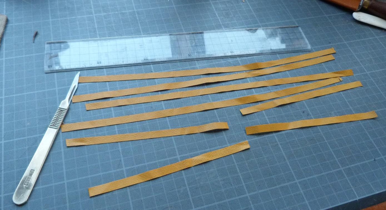 Pose des gardes en soie : decoupe des listels