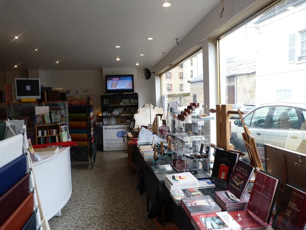 Biennale 2019-IV, magasin APG à Provins.