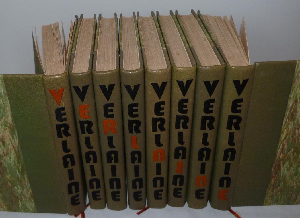 Paul Verlaine : œuvres complètes, 8 tomes reliés en demi-cuir vert à bandes. Titre à la chinoise mosaïqué,