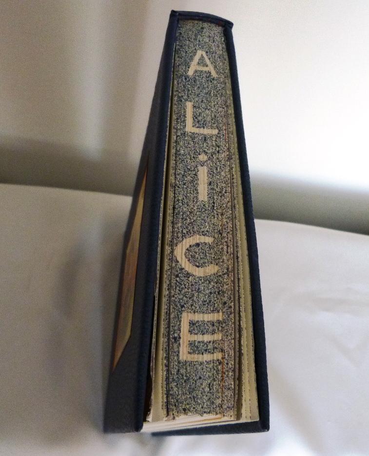 Alice au pays des merveilles, tête.