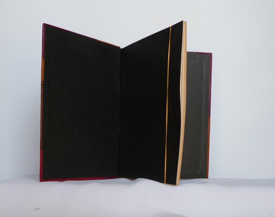 Le poème pulvérisé 1 de rené Char, gardes papier.