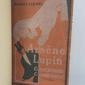 Arsene lupin Gentleman-cambrioleur, demi-cuir à coins avec mosaïque, une de couverture.