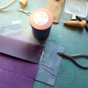Livret de famille, fabrication, couture.