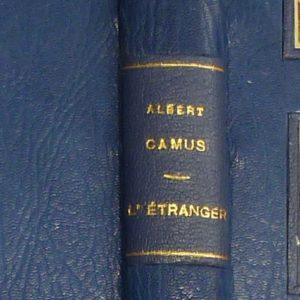 L'Étranger d'Albert Camus, pièce de titre