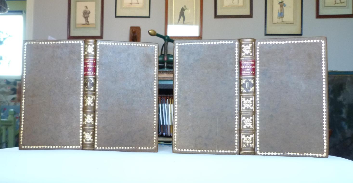 Le siècle de Louis XV,tomes 1 et 2.