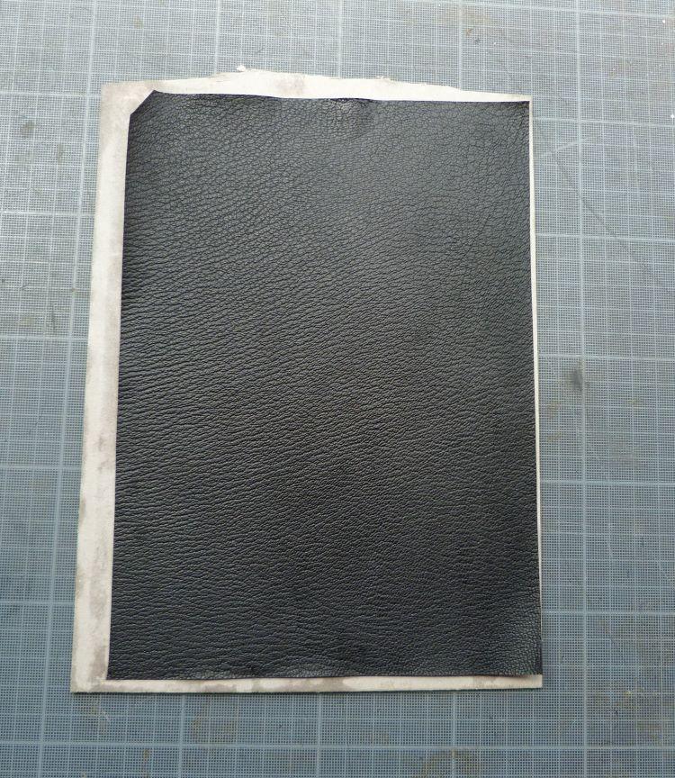 Biennale 2021 épisode 6, collage du cuir mosaïque.