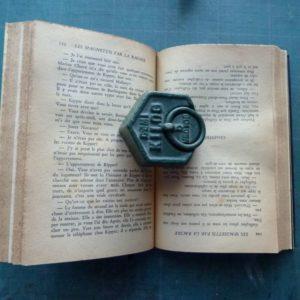 Sabotage du livre.
