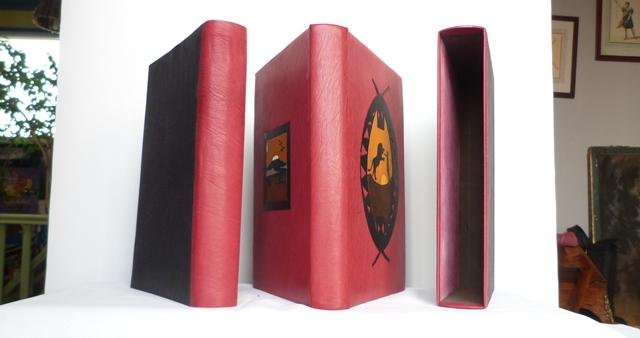 Biennale 2021 épisode 12, livre, chemise et étui.