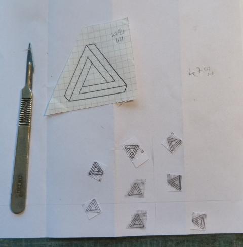 Carnet à la figure impossible, calque des petit triangles.