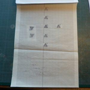 Carnet à la figure impossible calque des petit triangles.