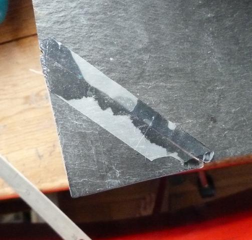 Réparation plat en ardoise, collage.