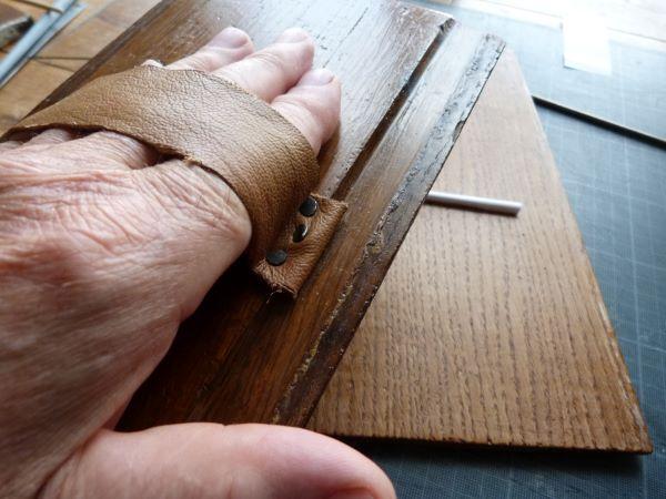 Détail de la fabrication d'un bâtonnet.